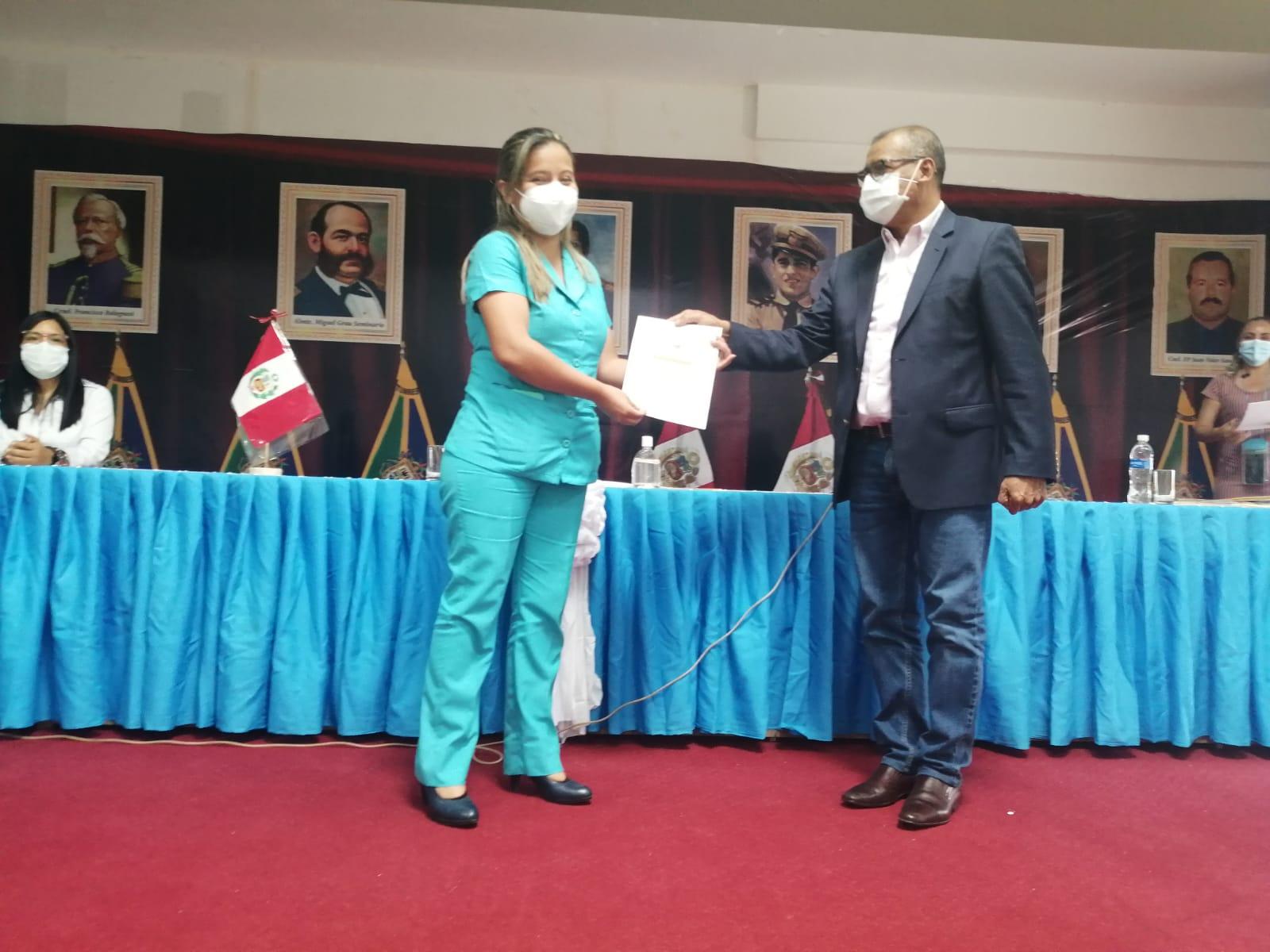 Gobierno Regional reconoce a profesionales de enfermería y obstetricia del área Covid-19 del hospital JAMO