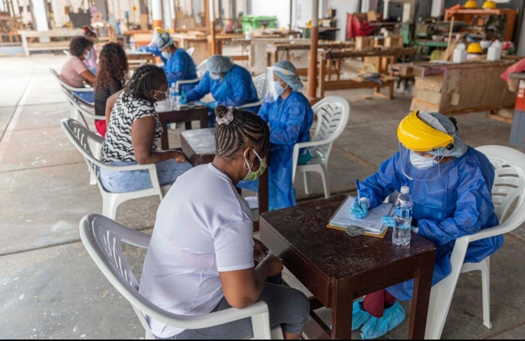 Gobierno Regional realiza bloqueo masivo farmacológico en el penal de Puerto Pizarro