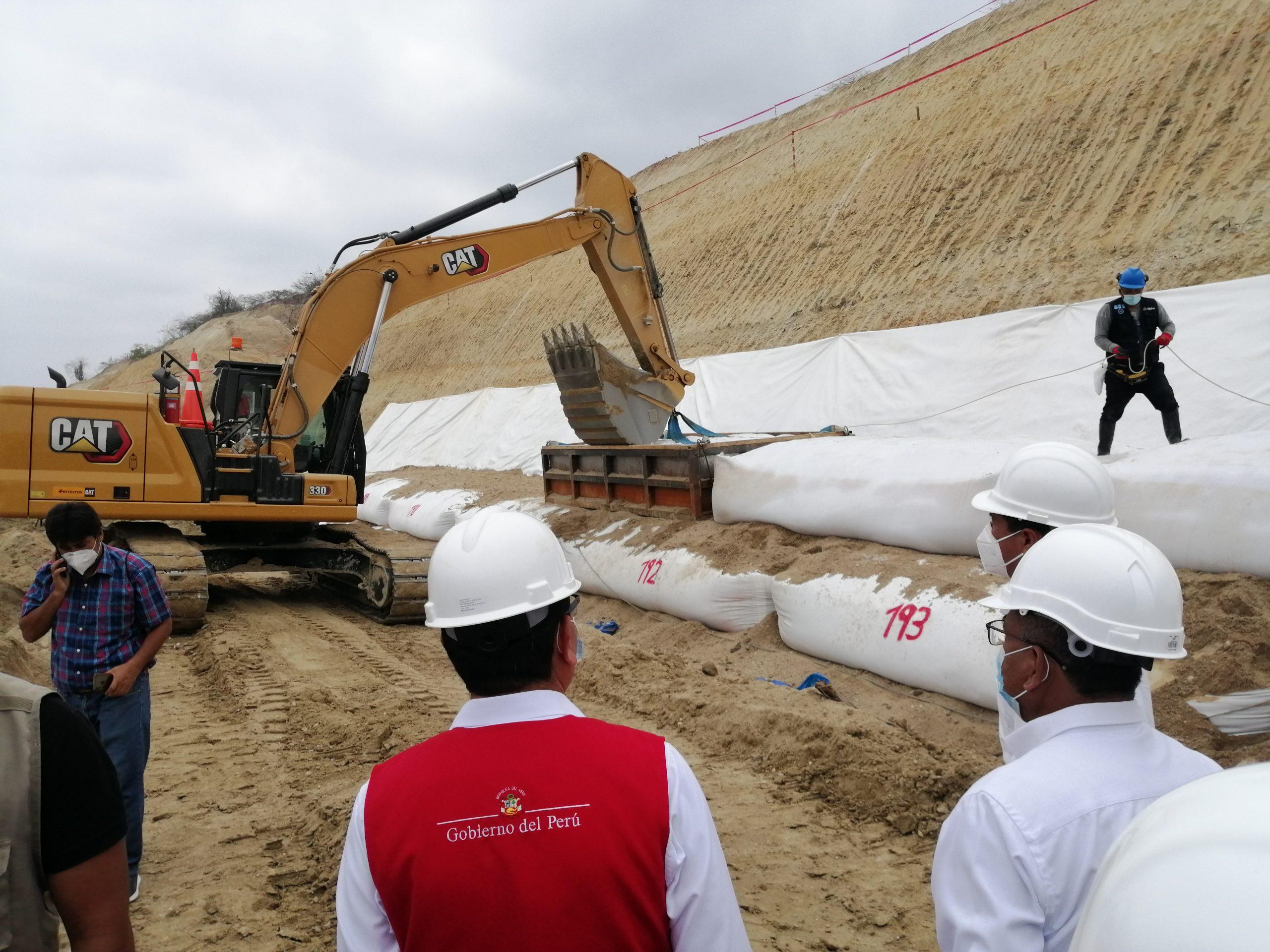 Gobernador Regional y ministro de Agricultura anuncian la ejecución de los proyectos Margen Derecha y Faical
