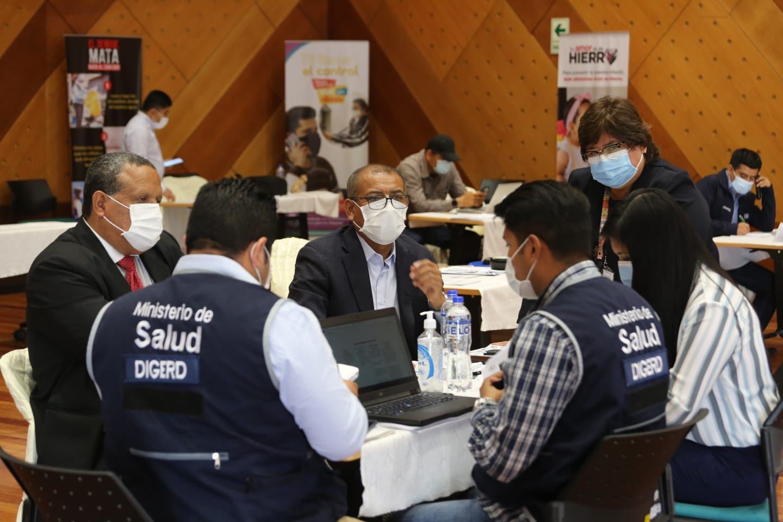 El gobernador regional y director de salud participan en la reunión extraordinaria del CIGS