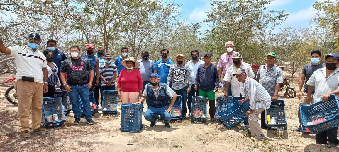 El Gobierno regional entrega foliares a productores de ciruela en Zarumilla