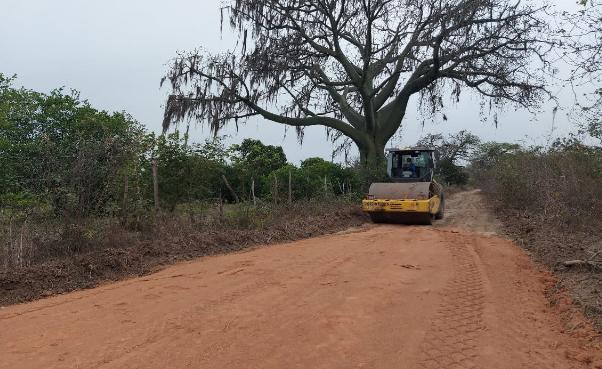 15 familias de Papayal se benefician con los trabajos de habilitación 2 kilómetros de vías de acceso